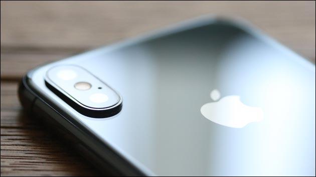 Risse in iPhone X Kamera Glas?